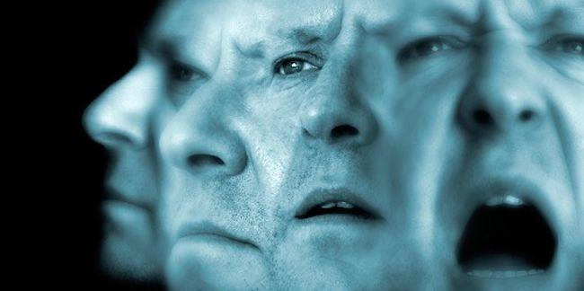мужчина с шизофренией