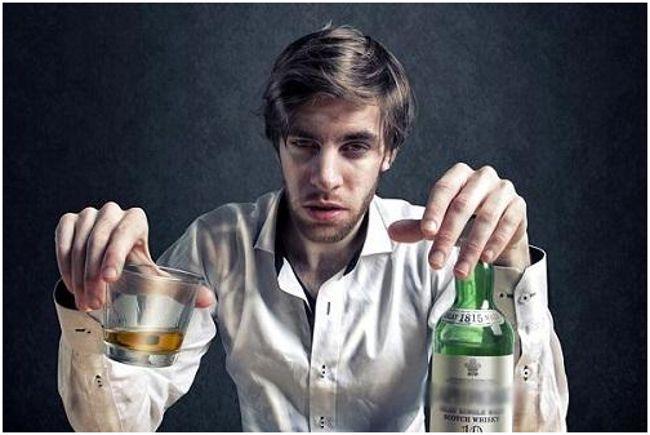 мужчина-алкоголик