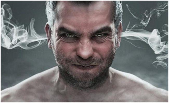 злой мужчина
