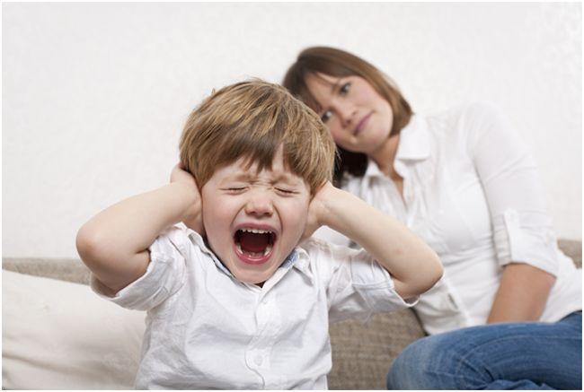 кричащий ребенок