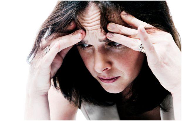 страдающая женщина