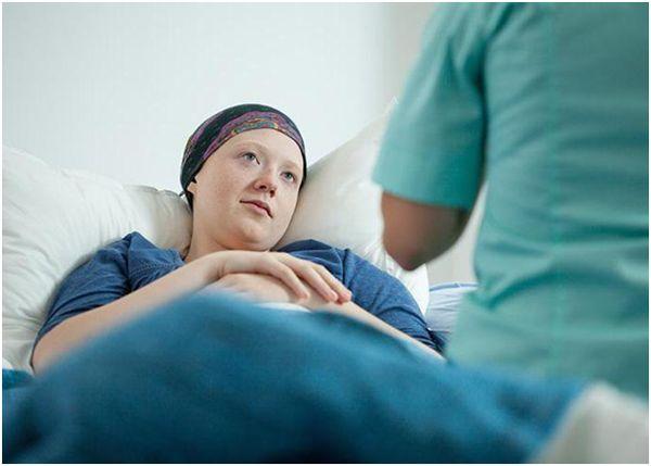 женщина больная раком